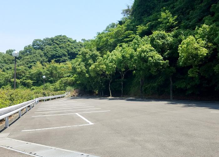 柚ノ木浄苑Ⅱの駐車場